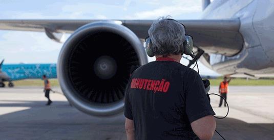 Aeronave em manutenção