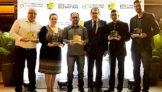 Vencedores do 2º Prêmio ABEAR Spotters e Airton Pereira, diretor de Relações Institucionais e Comunicação da ABEAR (4º à dir.)